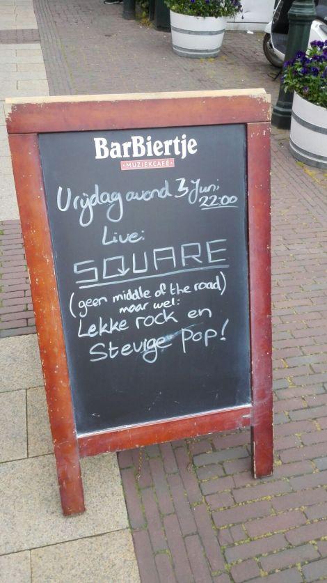 coverband Square uit het Wrstland en Hoek van Holland trad op in Barbiertje Hellevoetsluis